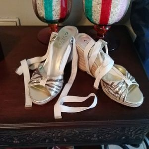 Guess wedges sz 7.5